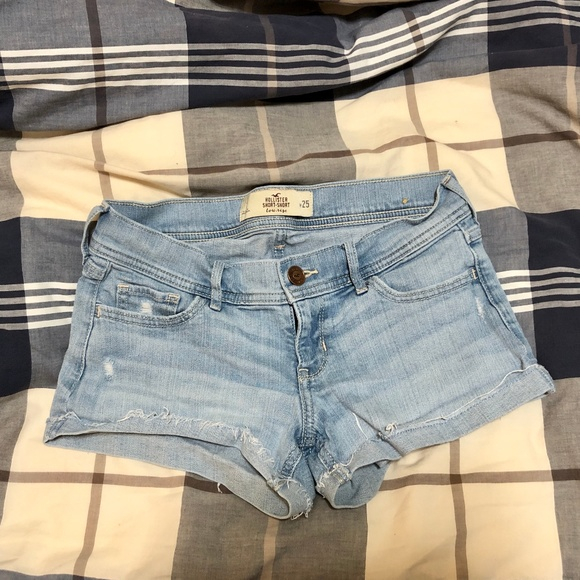Hollister Pants - Denim shorts
